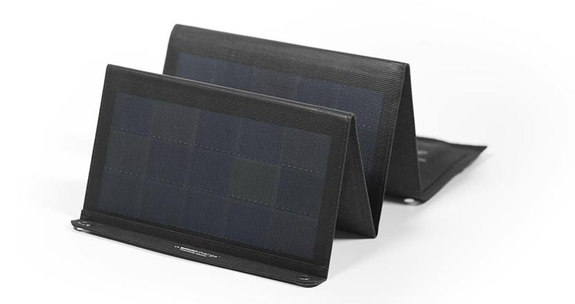 太陽光で発電。モバイルバッテリーにも充電可能な「Omnicharge 20W ソーラーパネル」