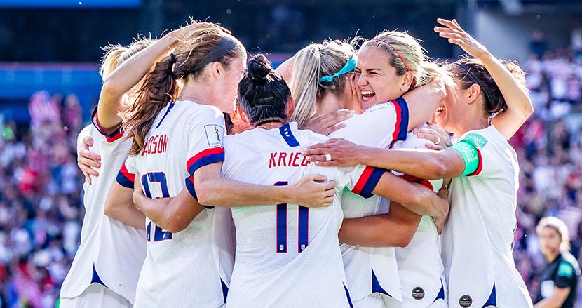 米国サッカー連盟が男女代表チームに同一契約を提示。給与体系統一で、男女不平等は解消されるか