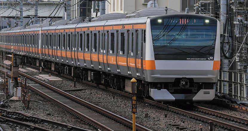 電車の座席シートを切り裂きまくった60歳男性、実は鉄道ファン?ドアにバッグが挟まった腹いせに復讐【連載】阿曽山大噴火のクレージー裁判傍聴(21)