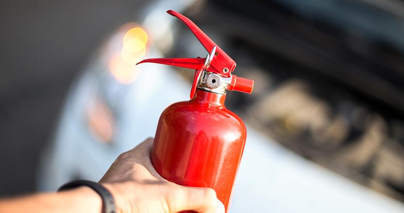 空港カウンターで消火器を投げ激昂した51歳男性、3年前の事件で身柄拘束された自業自得な理由【連載】阿曽山大噴火のクレイジー裁判傍聴(29)