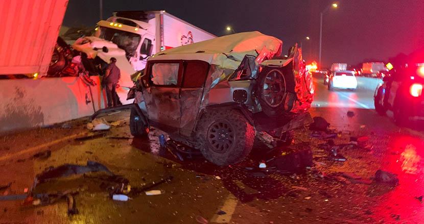 130台の玉突き事故で、トヨタ車大破も救助活動にあたった運転手男性。トヨタから思わぬプレゼント