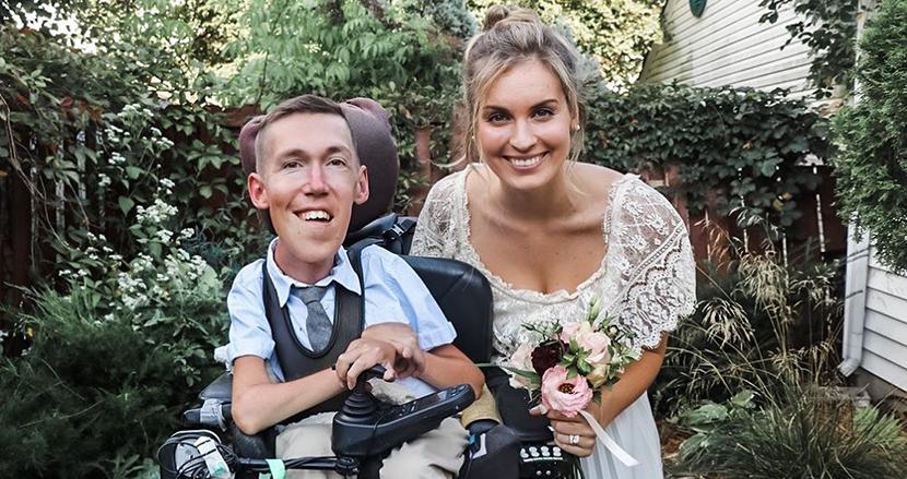 脊椎筋萎縮症の男性と健常者の女性が結婚!愛に限界がないことを証明した2人に世界が注目