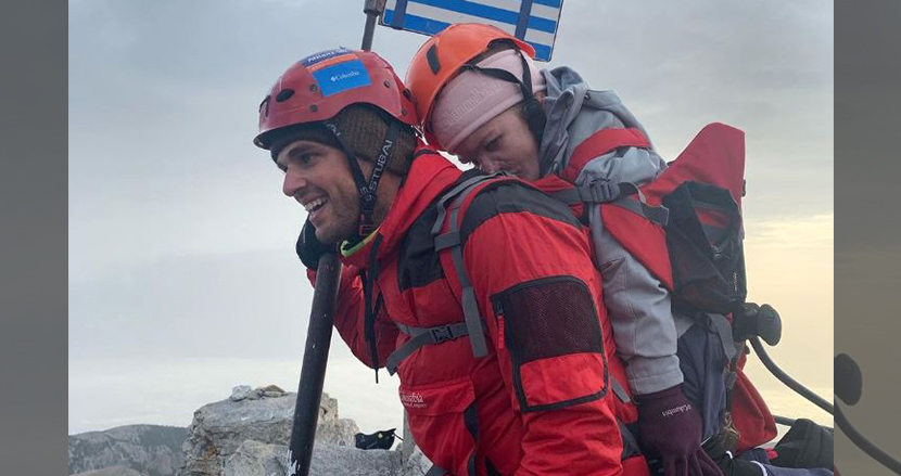 障害を持つ女子大生を背負い、ギリシャ最高峰オリンポス山を登頂!夢を実現させたアスリートに称賛の声、殺到
