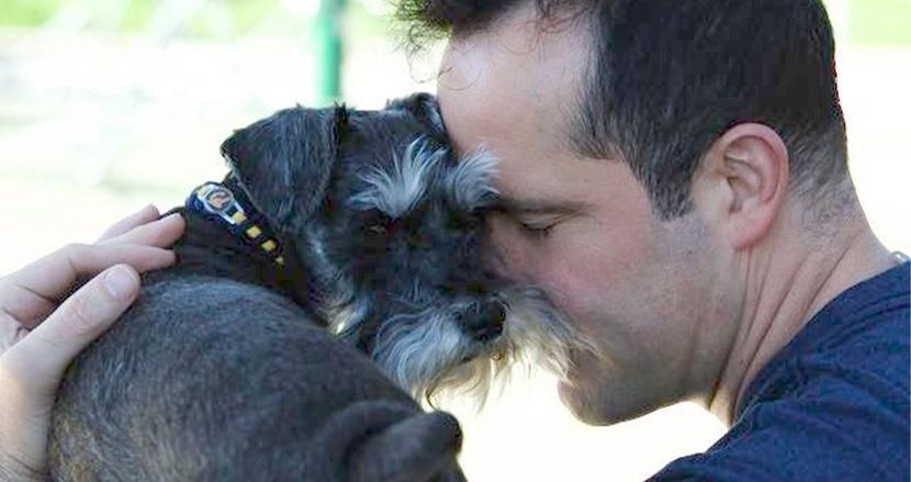愛犬の心臓手術のため、年金を解約し500万円を捻出。深い絆で結ばれた2人に胸打たれる「この子は家族です」