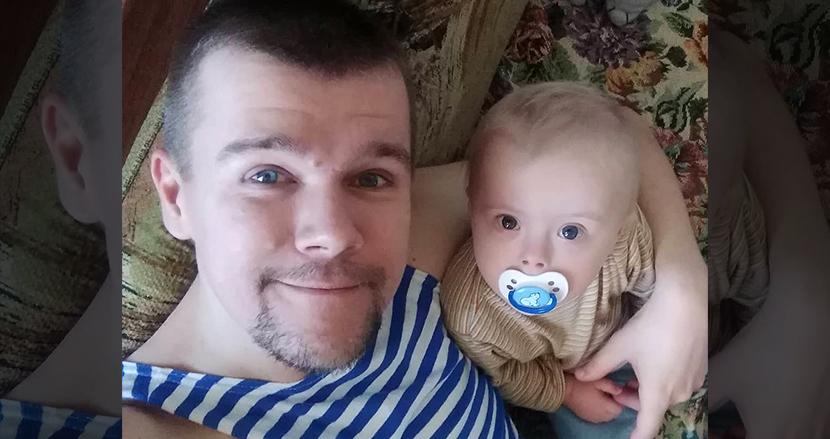 ダウン症児を男手一つで育てるロシア人父親、愛情溢れる親子の毎日がSNSで多くの感動を呼ぶ