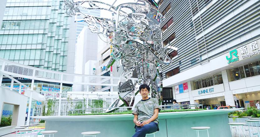 新宿駅前を一変させた現代アートのビジョナリー 松山智一(現代アーティスト)【連載】テック×カルチャー 異能なる星々(15)