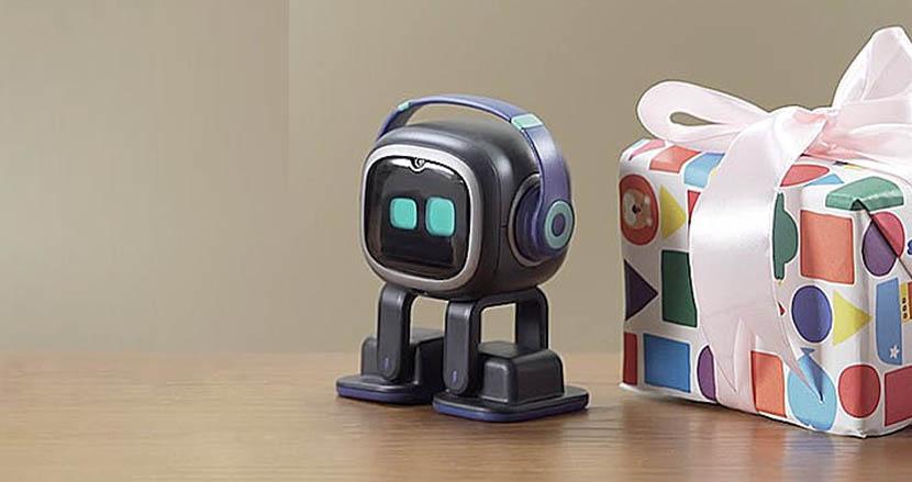 持ち主とともに成長していく卓上ペットロボット「Emo」。リモートワークの寂しさもこれで解消!?