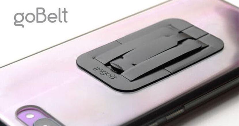 超極薄のスマホグリップ&スタンド「goBelt」。ワイヤレス充電やおサイフケータイも邪魔しない