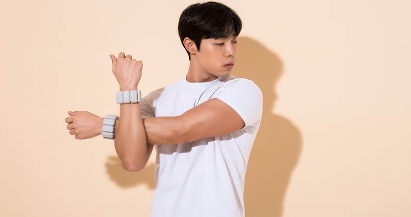 日常の動作をトレーニングに変える「ライフィット」。低重量のウェイトがあなたの運動不足を解消してくれる理由