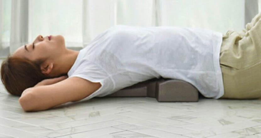"""寝っ転がるだけで背骨が""""整う""""「JPアジャスター」。リモートワークによる体の疲れを解消できるかも"""