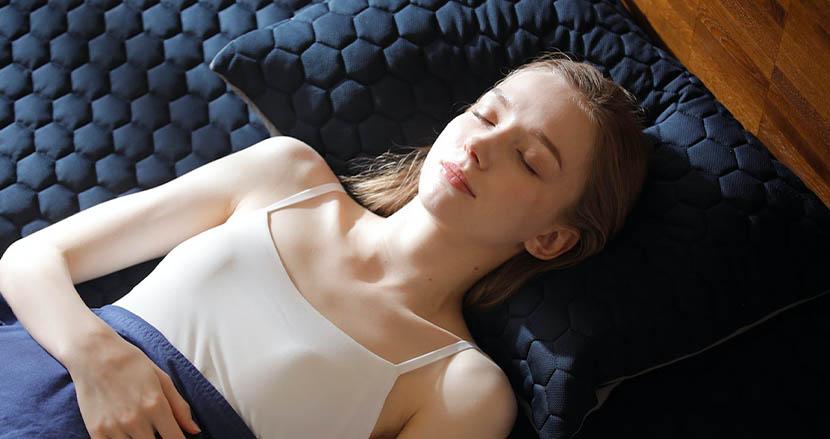 日本でも一般医療機器に登録。睡眠時の疲労回復を劇的に助けてくれる「セリアント敷きパッド」