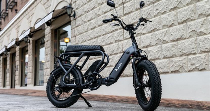 このゴツさで折りたためるハイブリッド電動バイク。通勤もアウトドアもこれ1台で完結する『de vida bike』