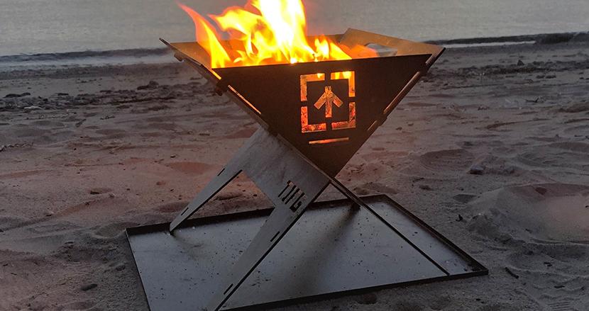 香川の鉄鋼職人が作る、一生物の焚き火台「TAKI BE ITA」。自分好みに育てる「鉄」ならではの楽しみも