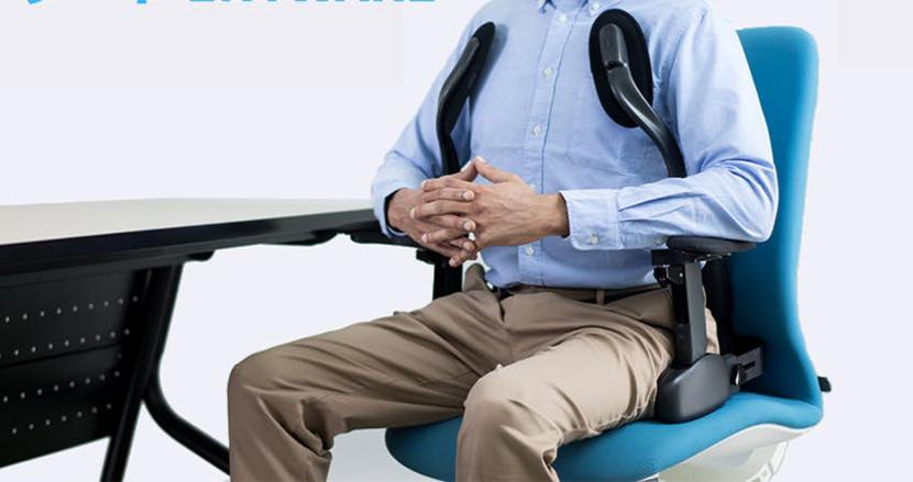 スマホ連動で完璧な姿勢をサポートしてくれるスマートシート「ENYWARE」。設置も意外と簡単そう