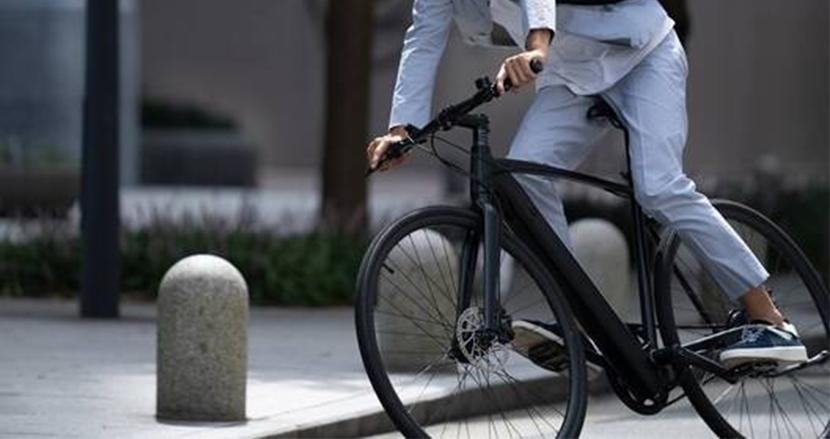 バッテリーはボディに内臓。ギアをいじる必要もなし。スタイリッシュすぎる電動アシスト自転車「Musashi Velo CS01」