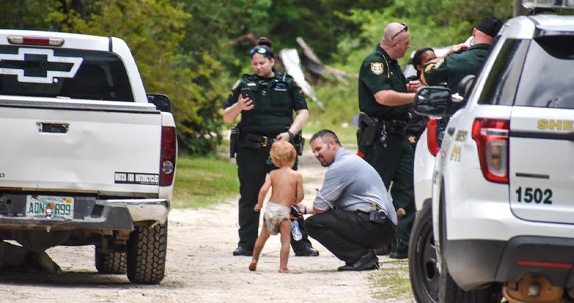 行方不明になった自閉症の3歳児、飼い犬2匹がボディーガードとして見守っていた
