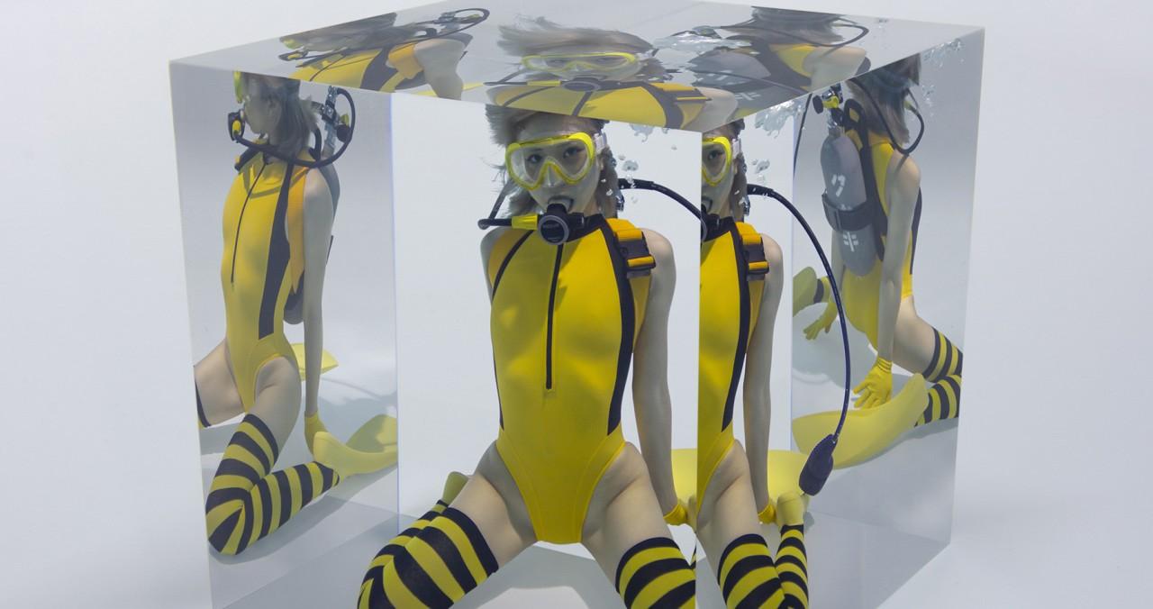 「水中ニーソ」は写真か?アートか?古賀学が語る新作品集『cube』