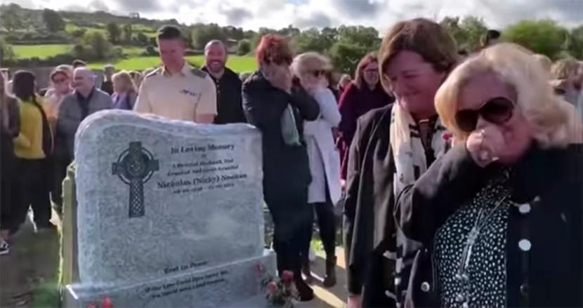 棺桶の中から「ここは一体どこなんだ?」 自分の葬式で、参列者の爆笑をさらった男性が話題に