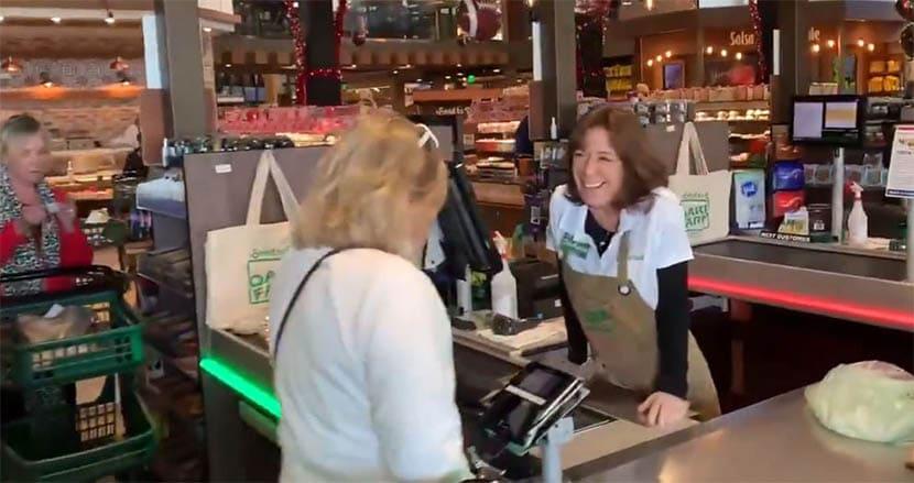 客も従業員もマスクを着用しない米国スーパーに非難殺到。「コロナは嘘」とオーナー主張