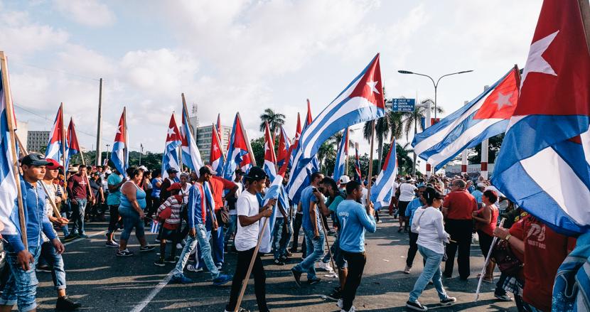 キューバで90万人が集結したメーデーのデモ行進に参加した【連載】世界の都市をパチリ (21)