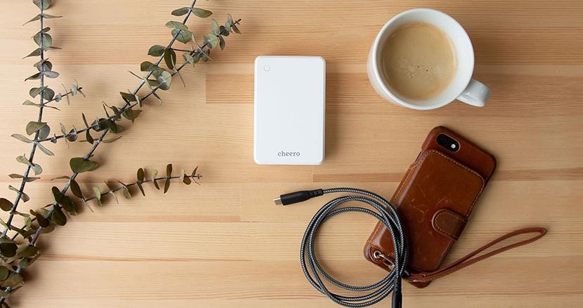 大容量でコンパクト。高速充電対応の万能モバイルバッテリー「cheero Extra 10000mAh with Power Delivery 18W」