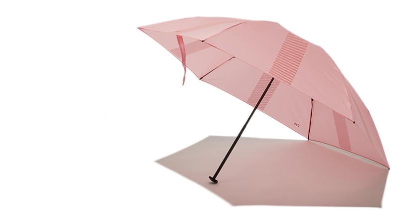 釣り具メーカーが作った高級折りたたみ傘が売り切れ続出。重さなんと76gの「カーボンテクノロジーポータブルアンブレラ」