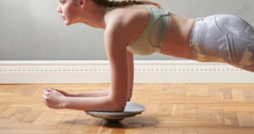 なかなか続かない自宅トレーニングに。新感覚で楽しめるエクササイズマシン「ルルドスタイルバランスボード」