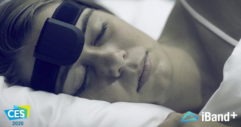 夢をコントロールできるデバイスがついに登場!?「iBand+」で明晰夢と質の高い眠りを手に入れよう