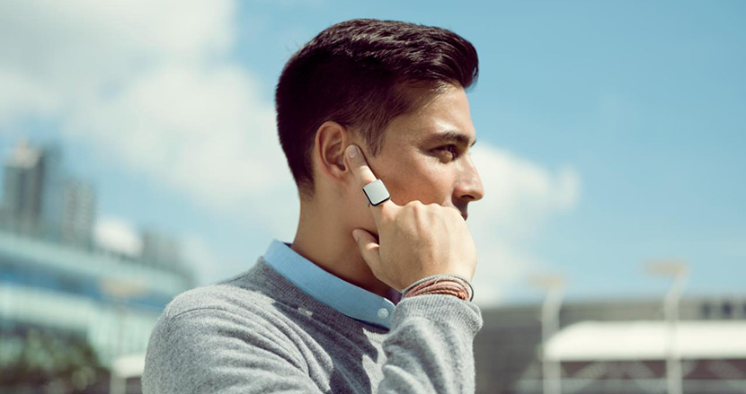 スマホいらず、「人差し指だけ」で通話やメッセージの確認ができる新しいデバイス「ORII」