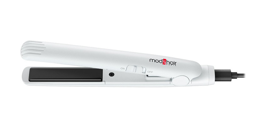 旅行に便利。モバイルバッテリーで使える手のひらサイズのヘアアイロン「MOBILE HAIR IRON」