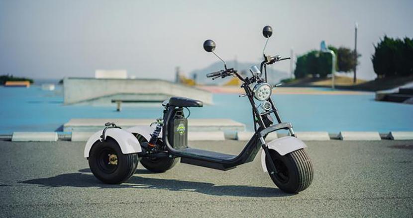 公道の走行OK!オトナ向けの楽しい電動三輪車「Kintone Trike」