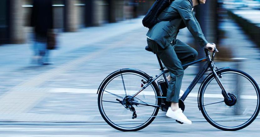 走りながら充電で100km以上もパワフルに走行可能。電動アシスト自転車「TB1e」