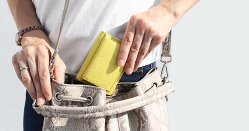 コンパクト・大容量・シンプルなデザイン。3拍子揃った「女性が欲しかった小さい財布」は一つの理想形かもしれない