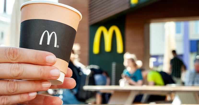 米国マクドナルドでコーヒーカップに「豚」と書かれ、警察側が大激怒!しかし、自作自演だったことが発覚