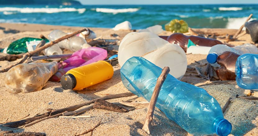 プラスチックごみで世界を汚染している企業ランキングが発表。3年連続1位となったブランドとは