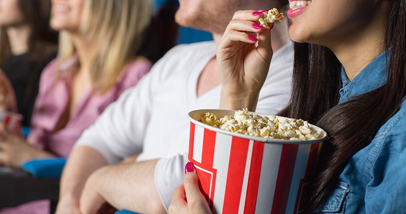 元従業員が明かす、映画館でポップコーンが最強な理由とは? おにぎりが販売されない訳に納得