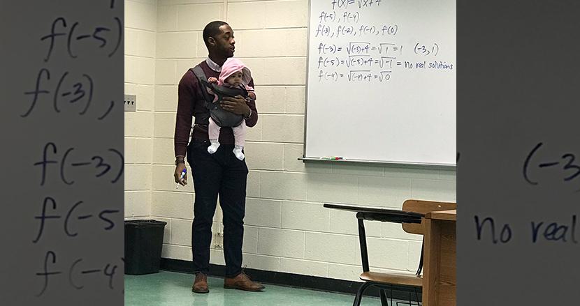 「君はしっかりノートを取りなさい」生徒の赤ちゃんを抱えて授業をする教授の神対応に拍手喝采