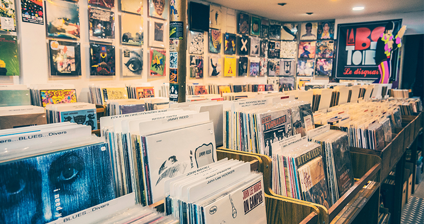 アメリカでアナログレコードがCDの売上を33年振りに超える予測。一方、日本では?