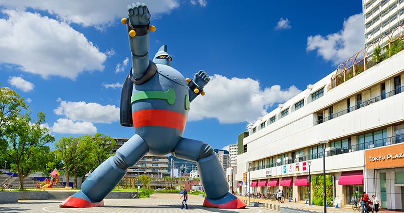 ロボットアニメの合体や必殺技のとき、大声で叫ぶことって必要? 元自衛隊員が真剣に答えてみた