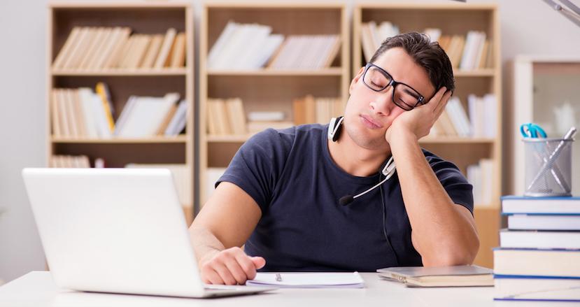 勤怠状況が悪く、仕事の進捗も著しく遅い社員。どこまですればクビになる?【連載】FINDERSビジネス法律相談所(1)