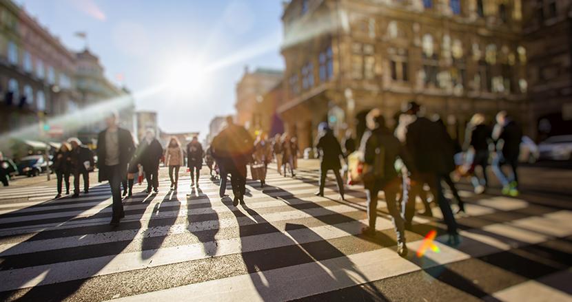 歩くスピードが速い人はゆっくり歩く人より、最大15年も長生きする! 英大学の研究チームが発表