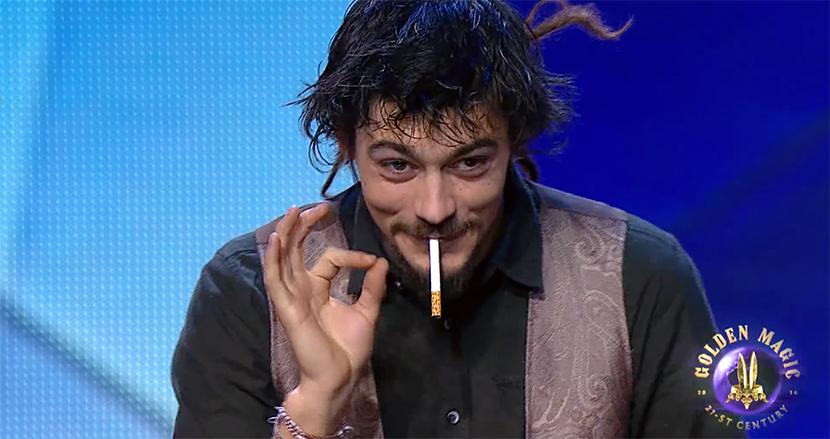 まさに神業!たった1本のタバコで繰り広げる驚異のマジックに、SNS上で喝采の嵐