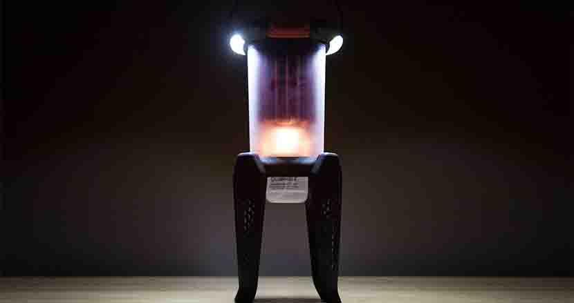 火を灯して電気を生み出す充電不要の「魔法のランタン」が、アウトドアや災害時にきっとあなたの助けになる