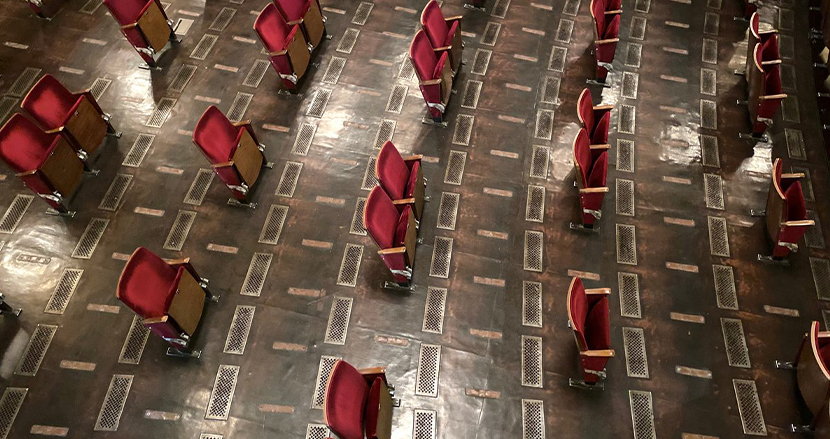 ソーシャルディスタンスで座席が7割撤去。ベルリンの伝統ある劇場の衝撃の現在
