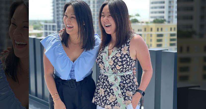 韓国で生まれ、生後すぐアメリカの別の家庭に養子に出された双子姉妹。DNA検査を通じて、36年振りに再会
