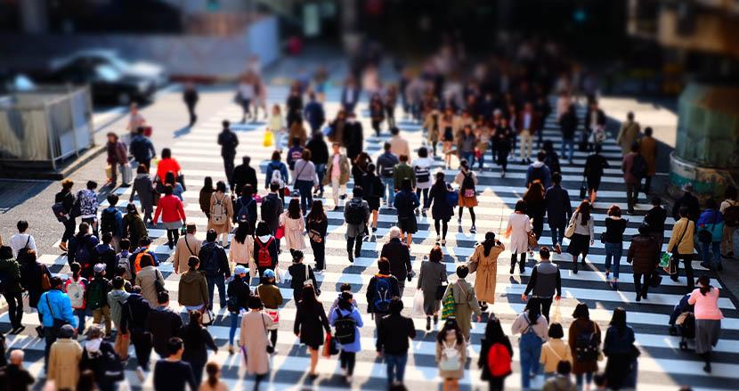 歩く速さが「コロナ死亡リスク」に大きく関与。ゆっくり歩く人は3.75倍に。英国大の研究グループが発表