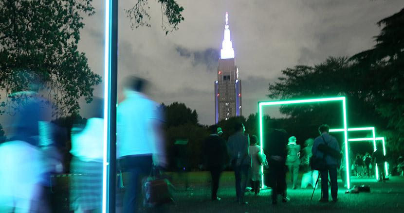 オリンピックに向けて気運を高めるために。新宿御苑を夜間解放し、歩きながら光と音を楽しむイベント「GYOEN NIGHT ART WALK 新宿御苑 夜歩」